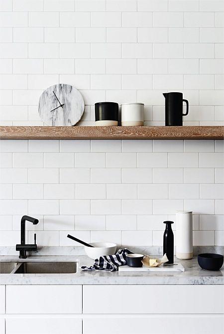 Svarte interiørdetaljer på kjøkken høst 2015